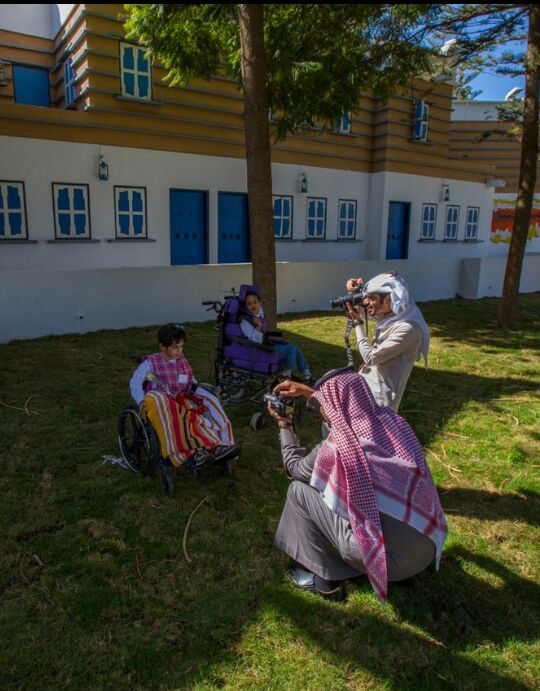 اطفال عسير المعاقين في زيارة لجمعية الثقافة والفنون