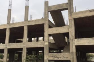 بالصور.. هيكل خرساني لمدرسة فقد أهالي حي صفوان الأمل في انتهائها! - المواطن