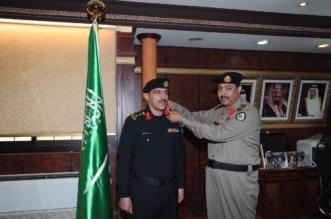 اللواء التميمي يقلد مدير إدارة دوريات الأمن بتبوك رتبته الجديدة - المواطن