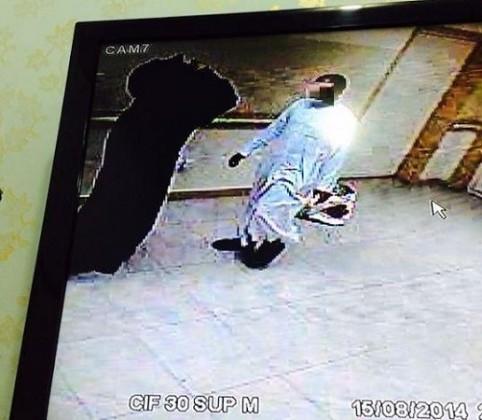 رجل وامرأة يتركان طفلاً في مستشفى ضباء