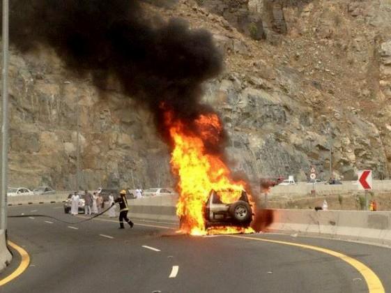 احتراق جيب - حريق سيارة