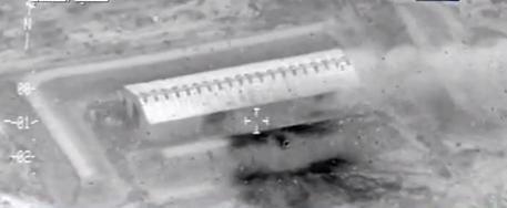 لقطات تظهر قصف الطيران العراقي لمواقع داعش