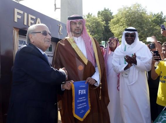 بلاتر يشكر الاتحاد السعودي