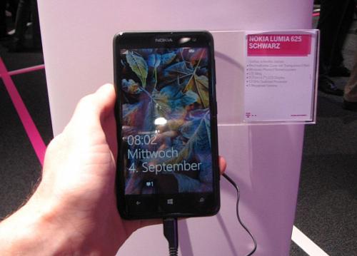 Nokia-Lumia-Sales-Hit-Record-8-8-Million-in-Q3-2013