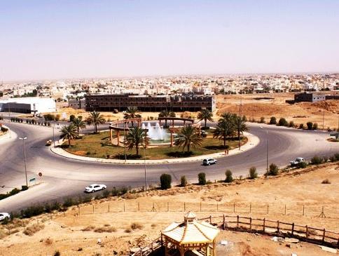 موظفو مستشفى المجمعة: المدير يتقاضى Untitled-11153.jpg