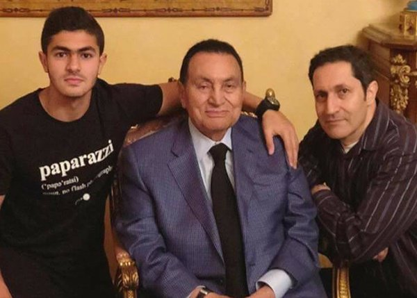 شاهد بالصورة.. أول ظهور لمبارك بعد بلوغه سن التسعين
