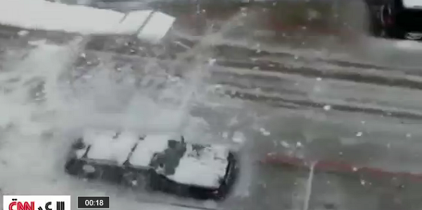 بالفيديو.. الجليد يشل حركة آلاف الأمريكيين - المواطن