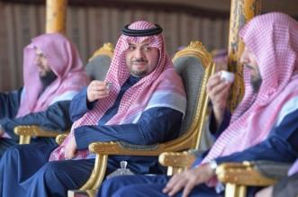 شاهد بالصور.. احتفاء أمير الشمالية بالشيخ الشثريومرافقيه - المواطن