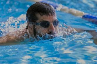 بالصور.. الغربي يحصد ذهبية شهداء الواجب للسباحة - المواطن