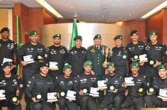 بالصور.. رئيس الحرس الملكي يكرم فريق الجودو - المواطن