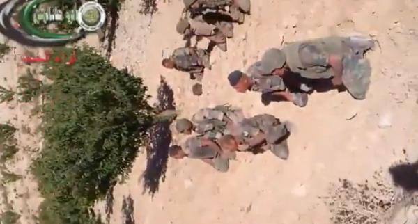 الجيش الحر يلقي القبض على عناصر من الجيش اللبناني
