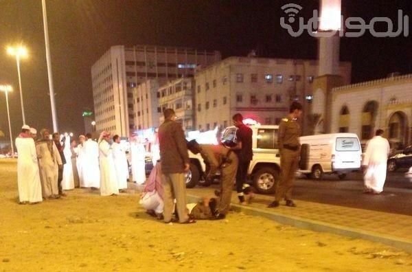 تعرض احد رجال الامن لحادث دهس قبل قليل بحي شهار في الطائف