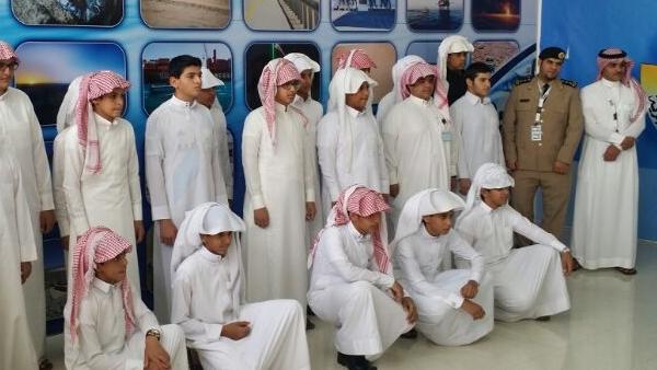 طلاب متوسطة ابن تيمية يزورون مركز تدريب حرس الحدود بنجران - المواطن