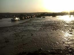 مدني مكة يباشر بلاغات عن تجمعات مياه