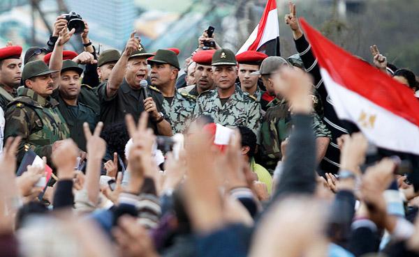 القوات المسلحة المصرية: يمكن للمعتصمين مغادرة الميادين دون ملاحقة - المواطن