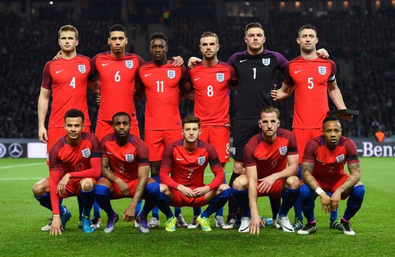 سلوفينيا تخشى قطار الإنجليز العازم على التأهل للمونديال