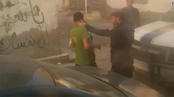 gal.Bahrain.police.jpg_-1_-1