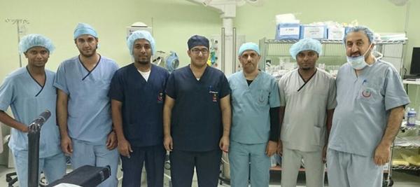 فريق طبي بمستشفى محايل ينجح في استئصال ورم سرطاني من كلية مريضة