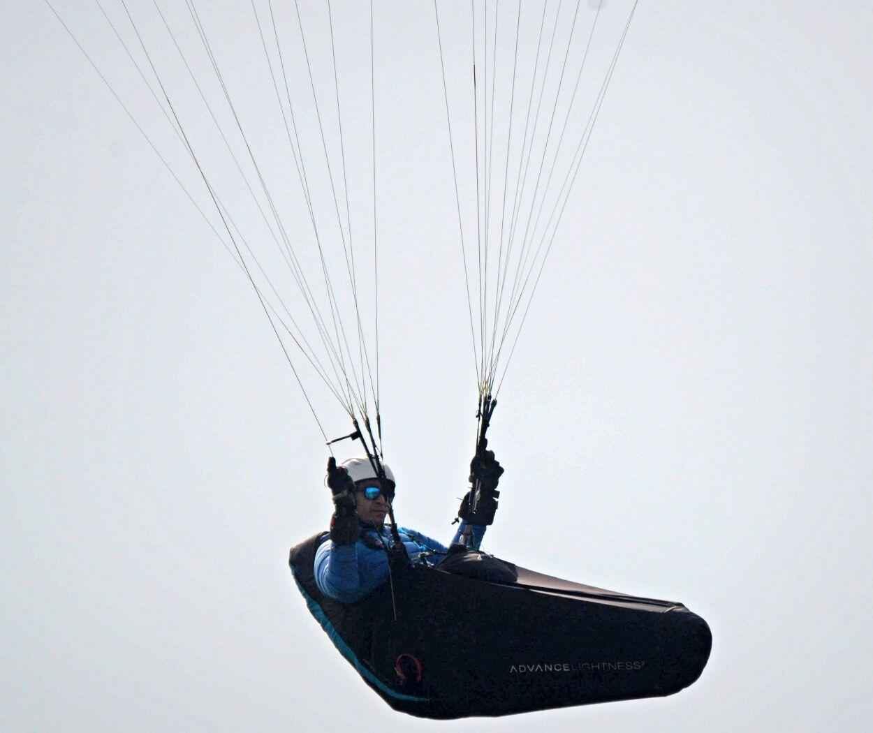 انطلاق بطولة عسير الدولية الخامسة للبرقلايد بمشاركة ٤١ طياراً
