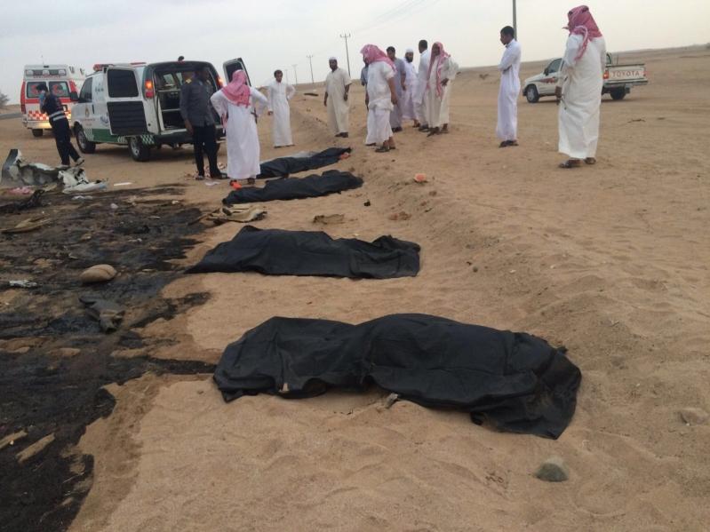 حادث مأساوي .. تفحم  6 أشخاص على طريق الساحل مكة -جيزان