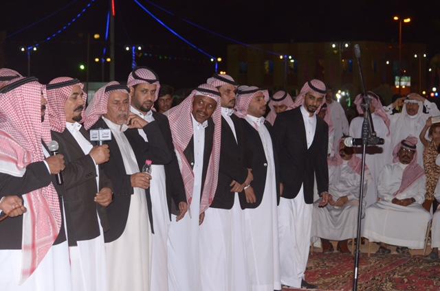 لقيت قبولاً وترحيباً كبيراً من الزوار فرقة الدحة تُشارك في مهرجان صيف عرعر 37