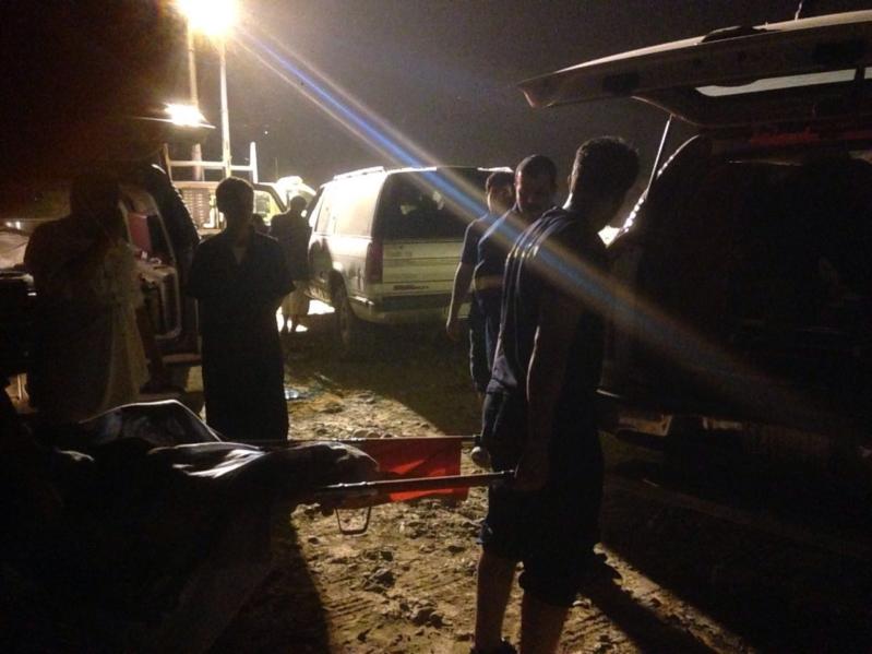 انتشال جثمان غريقين في وادي بيش