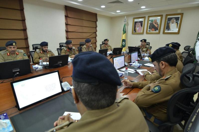 بالصور .. الفريق العمرو يتفقد استعدادات الدفاع المدني بالمدينة المنورة