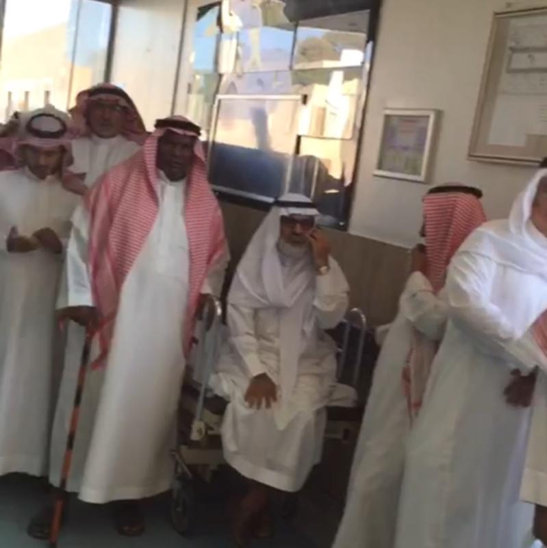 بالفيديو.. تذمر المراجعين من قسم مواعيد العيادات بعسير.. والمستشفى ترد