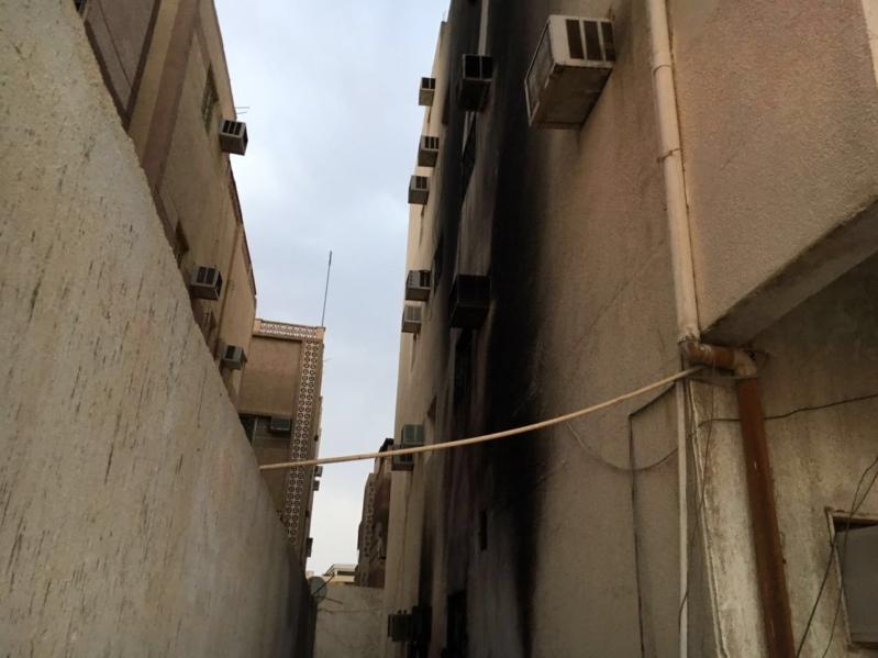 بالصور .. عبث أطفال يتسبب بحريق مبنى وإصابة شخصين بالمدينة المنورة