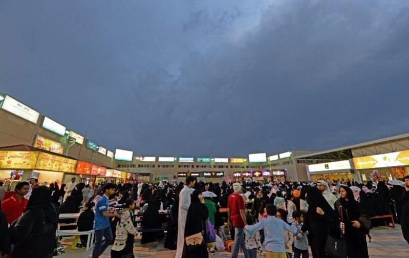 صور من مهرجان ابها للتسوق