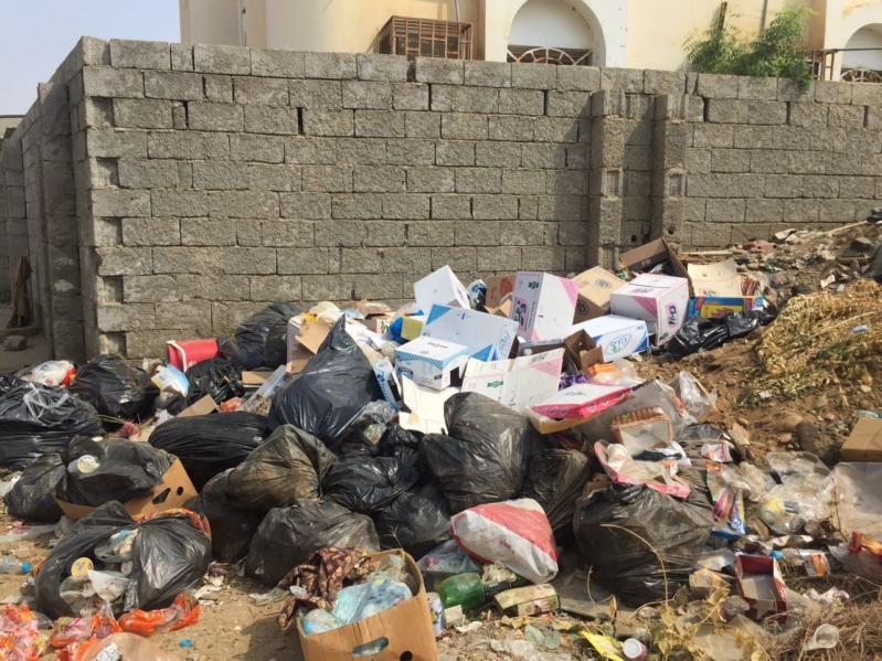 العدايا تشكوا الإهمال وتكدس النفايات