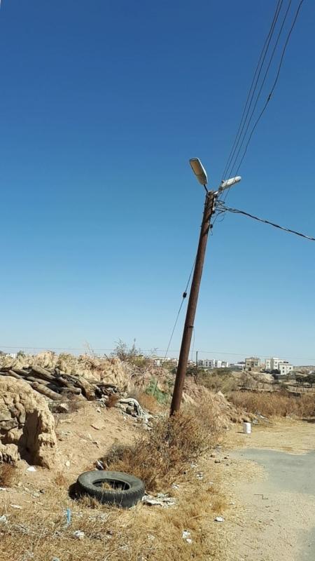 عمود كهرباء من الخشب خطر على سكان بني تميم بأحد رفيدة