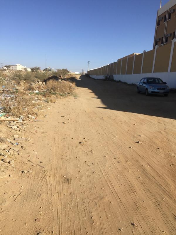 مطالبات بسفلتة شارع متوسطة درب العقيدة وبلدية أحد رفيدة ترد