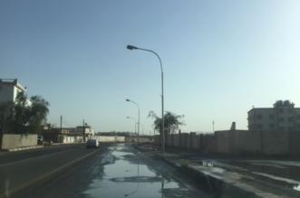 بالصور.. هبوط أرضي بشوارع أحد رفيدة يهدد حياة المارة - المواطن