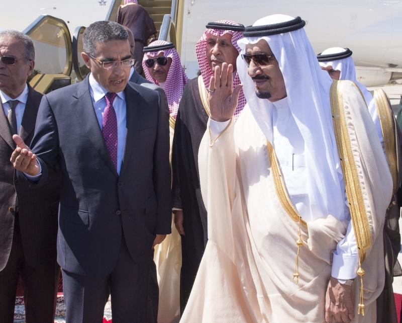 شاهد .. لقطات ترصد مغادرة #الملك_سلمان من المغرب