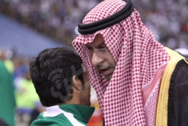 لقطات من لقاء الأخضر السعودي والمنتخب القطري - المواطن