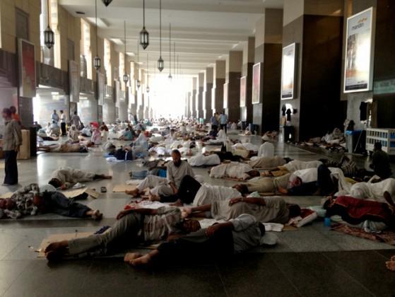 الافتراش بالمسجد الحرام - افتراش مكه