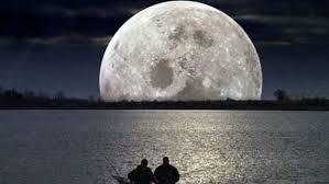 نظرية عملية تؤكد وجود الجليد المائي على القمر