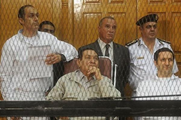 محاكمة مبارك ونجليه