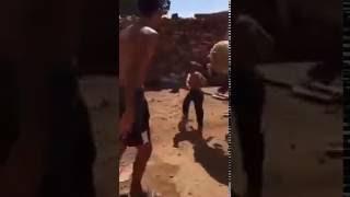 """mqdefaultفيديو """"خروف العيد"""" يحاول الهرب بعد ذبحه"""