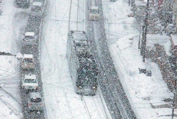 عواصف اليابان الثلجية