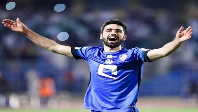 عمر خريبين يغادر إلى أحد المستشفيات بعد إصابته أمام الاتحاد
