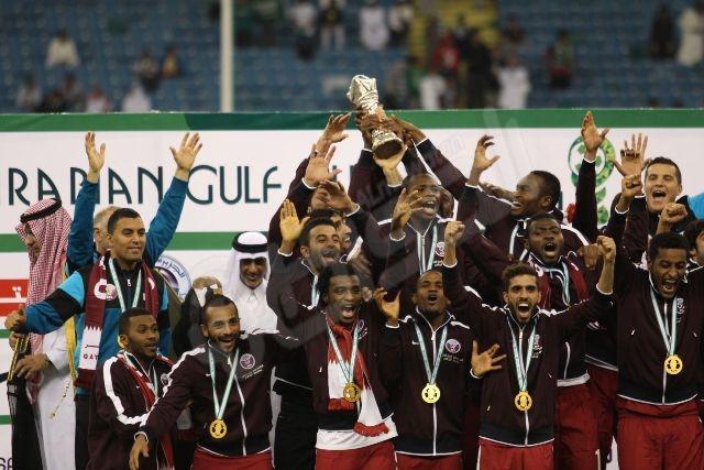 الصور تتحدث .. قمة الخليج انتهت بتتويج قطر بالذهب - المواطن
