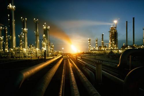 فايننشال تايمز: السعودية لا تزال متفوقة على جيرانها في إنتاج النفط - المواطن