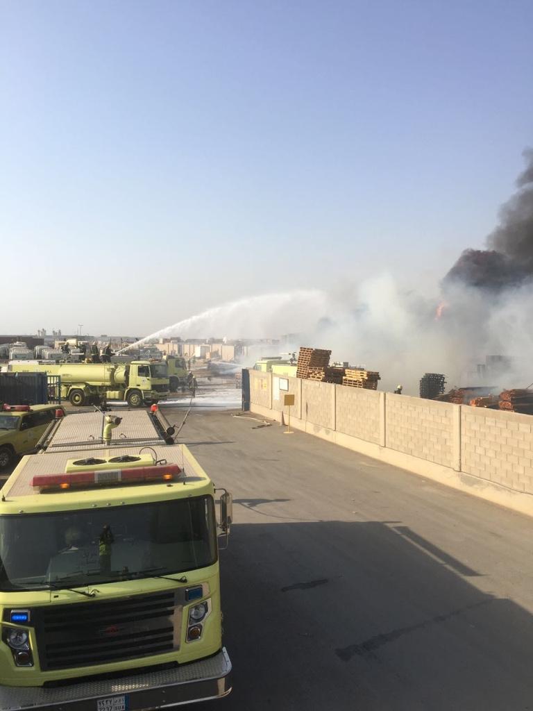 مدني جدة يحدد نقطة حريق مستودعات جنوب المحافظة