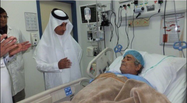 وزير_الصحة- يزور- طبيب