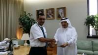 """تكريم طيران """" السعودية """" لخدمتهم ضيوف خادم الحرمين بالمدينة المنورة"""