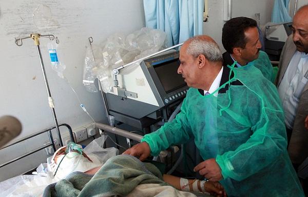 وزير الصحة اليمني الدكتور أحمد قاسم العنسي